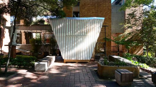Casa Techo Vivienda de Emergencia / Sebastian Contreras Rodriguez