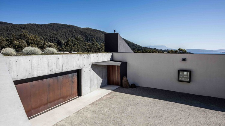 Sunnybanks House / Core Collective Architects