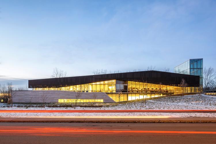 Montreal's LEED Platinum Bibliothèque du Boisé Wins RAIC's Green Building Award , © Doublespace Photography