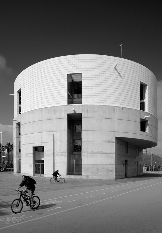 Barcelona's Meteorology Center by Álvaro Siza, Through the Lens of Fernando Guerra, © Fernando Guerra | FG+SG