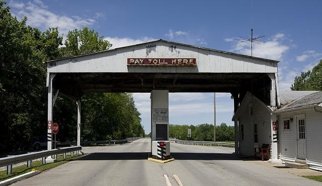 As Roads Become High-Tech, Historic Toll Booths Might Need to Be Saved, Tollbooth in New Harmony, Indiana. Image via <a href='http://www.loc.gov/pictures/resource/highsm.04189/'>Library of Congress/LC-DIG-HIGHSM-04189</a>