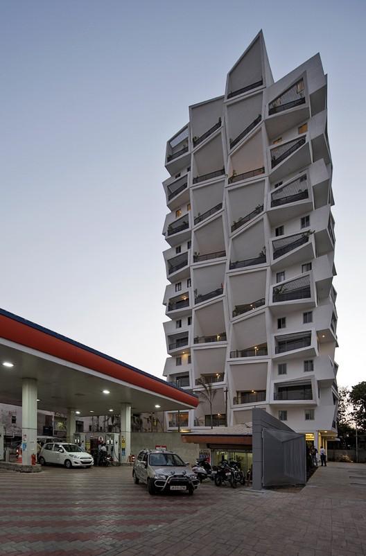 Ishatvam 9 / Sanjay Puri Architects, © Dinesh Mehta