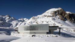 3S Ascensor Gondola Eisgratbahn en Glaciar Stubai / ao-architekten