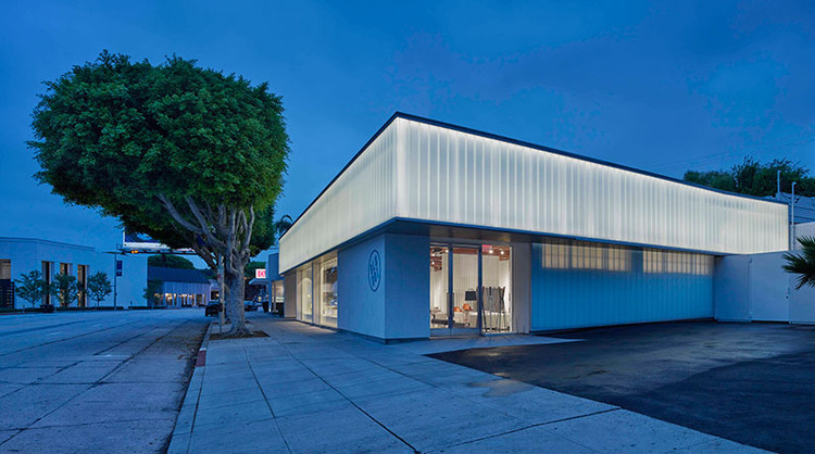 BLU DOT SHOWROOM; West Hollywood, California / Standard Architecture. Image  Courtesy Of The