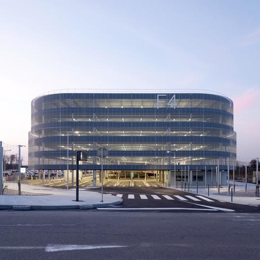 Estacionamiento F4 / DeA architectes