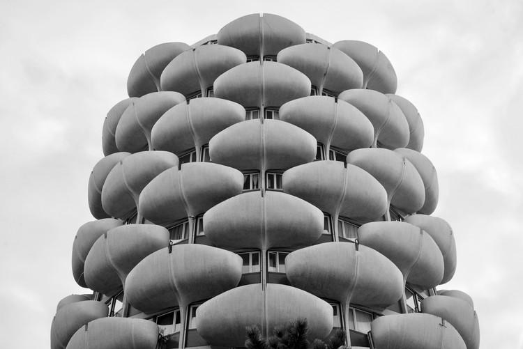 Novo mapa celebra a arquitetura brutalista de Paris, Les Choux de Créteil. Image © Nigel Green