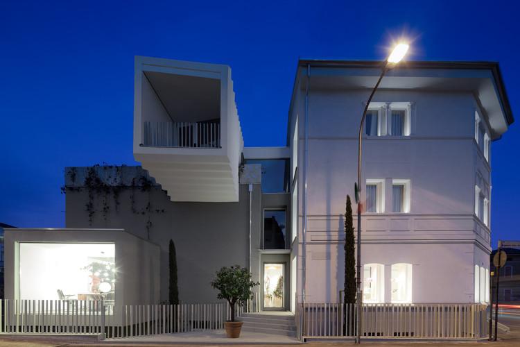 B&W Building / mzc+, © Marco Zanta
