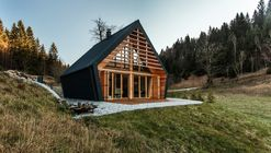 The Wooden House / studio PIKAPLUS