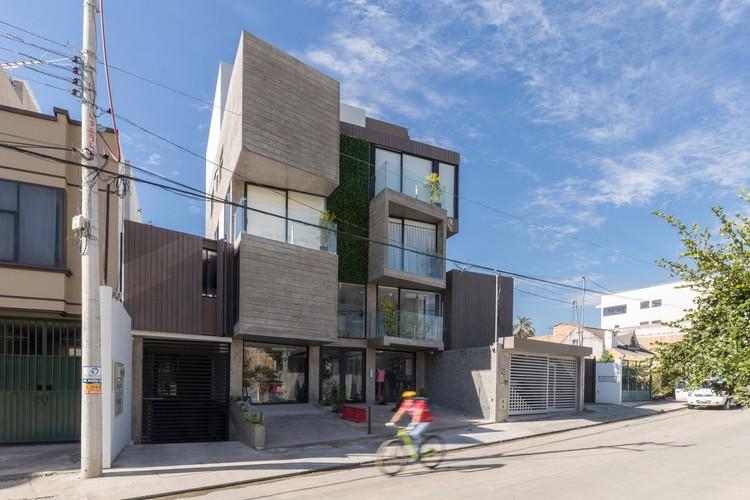 Isabela Building / Ruptura Morlaca Arquitectura, ©  Jag Studio
