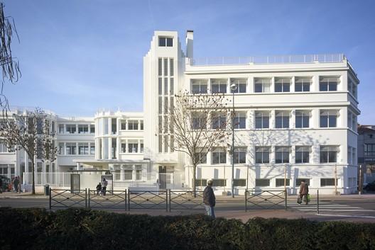 Rehabilitation of an Old Factory / PARC Architectes