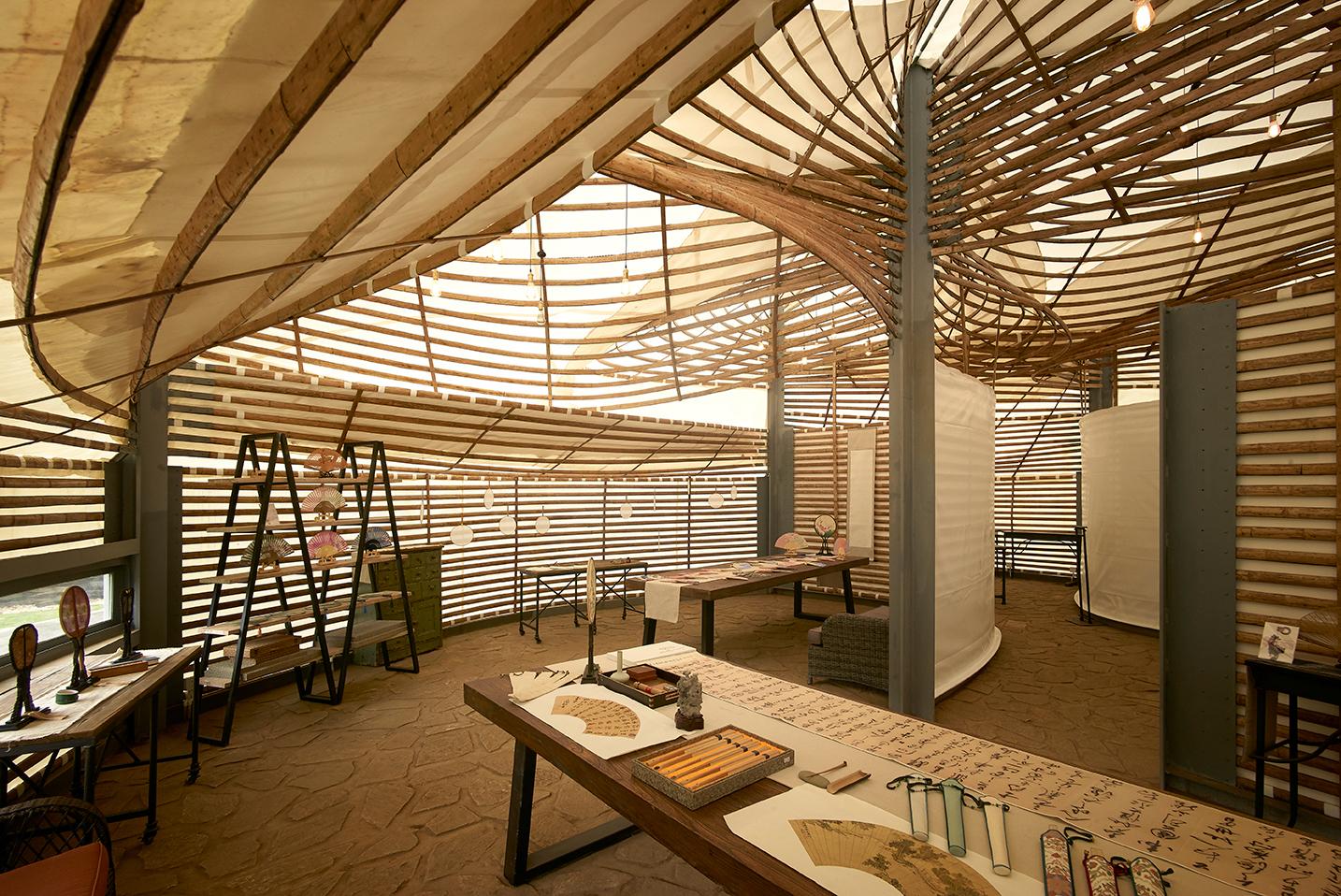 Galeria de primeira bienal internacional de arquitetura de bambu pelas lentes de julien lanoo 8 Bambu de interior