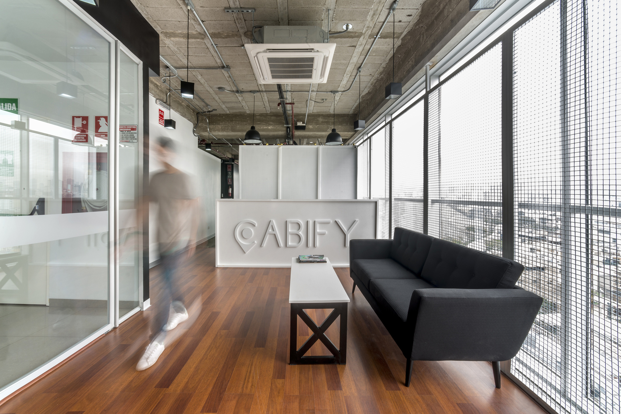 Oficinas cabify tru arquitectos archdaily m xico - Arquitectos de interiores famosos ...