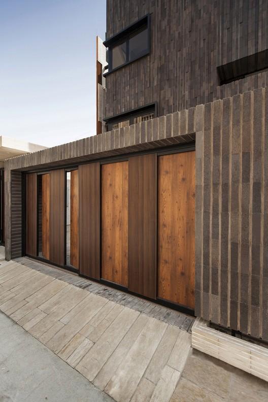 Edifício Residencial Jey Shir / Aleshtar Architectural Office, © Farshid Nasrabadi
