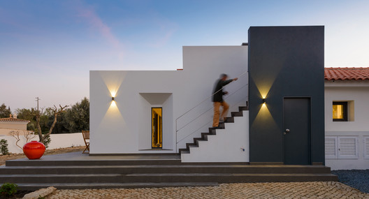 Flying Cloud Beach House / Strachan Group Architects