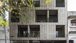 Tucumán Building / Garnerone + Ramos Arq