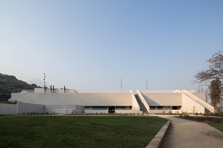 Gimnasio del Colegio Saint George / Gonzalo Mardones V. Arquitectos, © Nico Saieh
