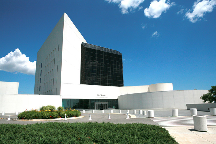 I.M. Pei's Inspiration: A Comparison of Masterful Architecture with Minimalist Art, I.M. Pei's JFK Presidential Library and Museum in Massachusetts. Image © <a href='https://www.flickr.com/photos/masstravel/8568079947'>Flickr user masstravel</a> licensed under <a href='https://creativecommons.org/licenses/by-nd/2.0/'>CC BY-ND 2.0</a>