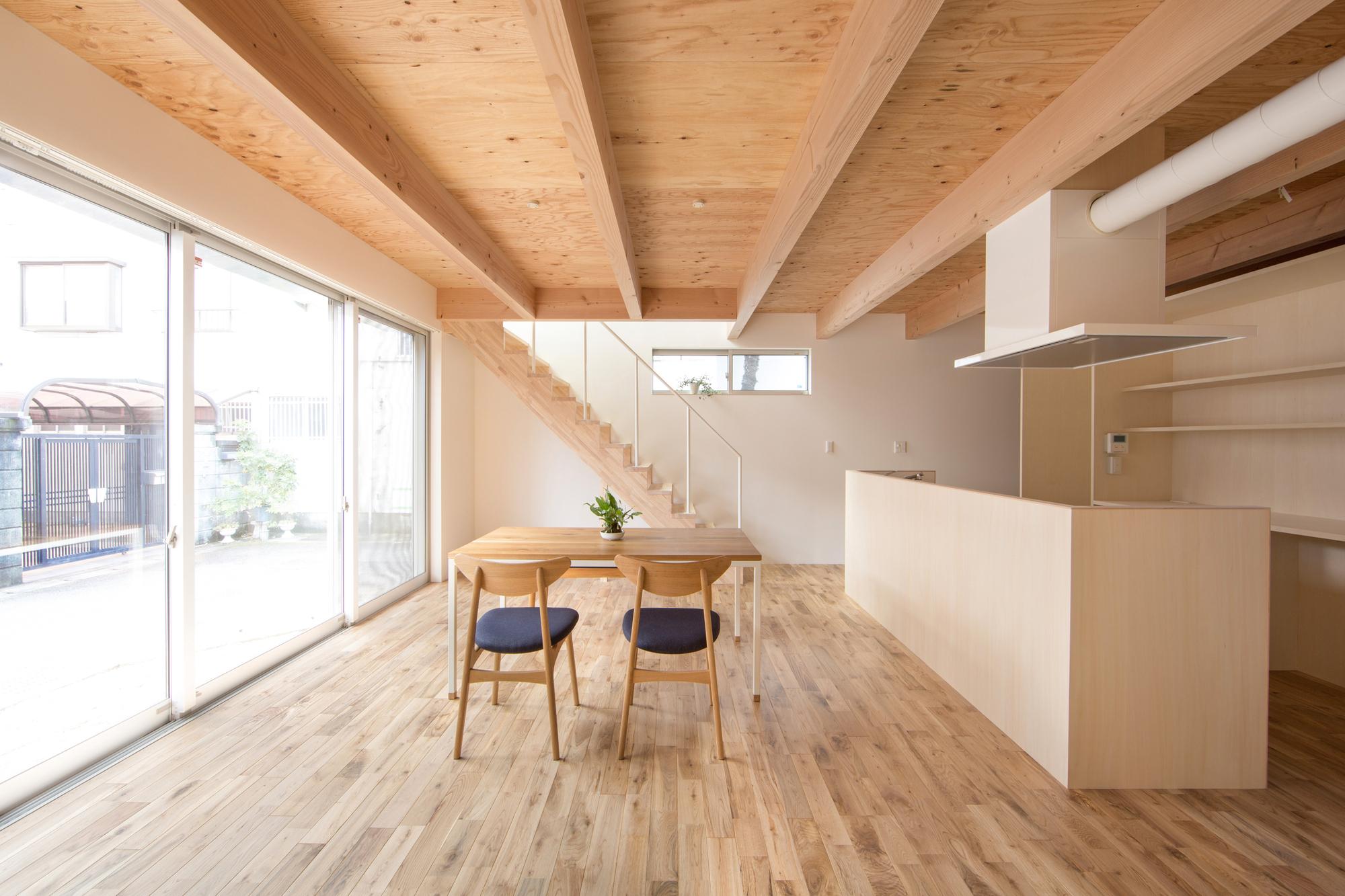 House in Umezu / koyori + DATT