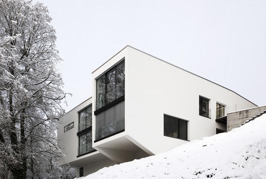 Villa in an Historical Park / Dost