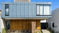 MA House  / e| arquitectos