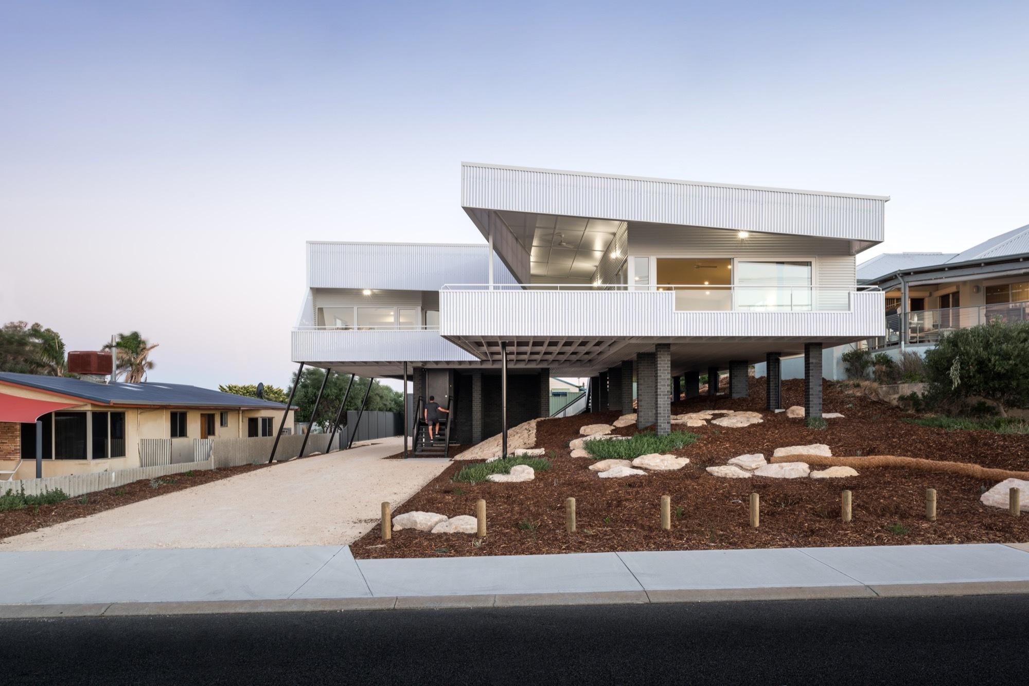 Iredale Pedersen Hook Architects Falcon Beach House
