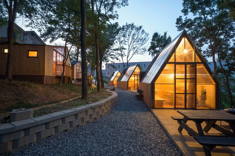 Haru Cafe  / B.U.S Architecture, © Kyung Roh