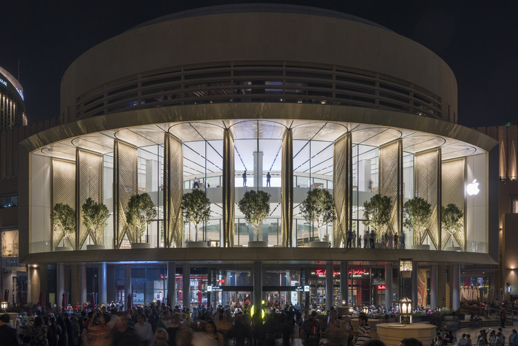 Apple Dubai Mall / Foster + Partners, © Nigel Young