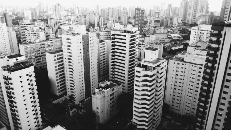 Mobilidade é questão de desenho urbano, © Alessandro Di Credico. Image via Unsplash. Licensed by CC0 1.0 Universal (CC0 1.0)