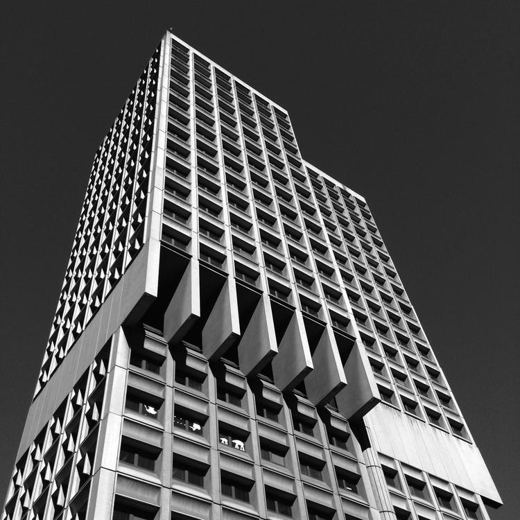Mapa celebra a arquitetura brutalista de Sydney, Sydney Town Hall. Image © Glenn Harper