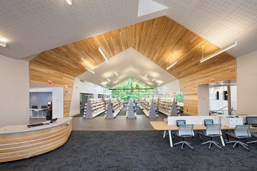 Varina Area Library  / BCWH Architects