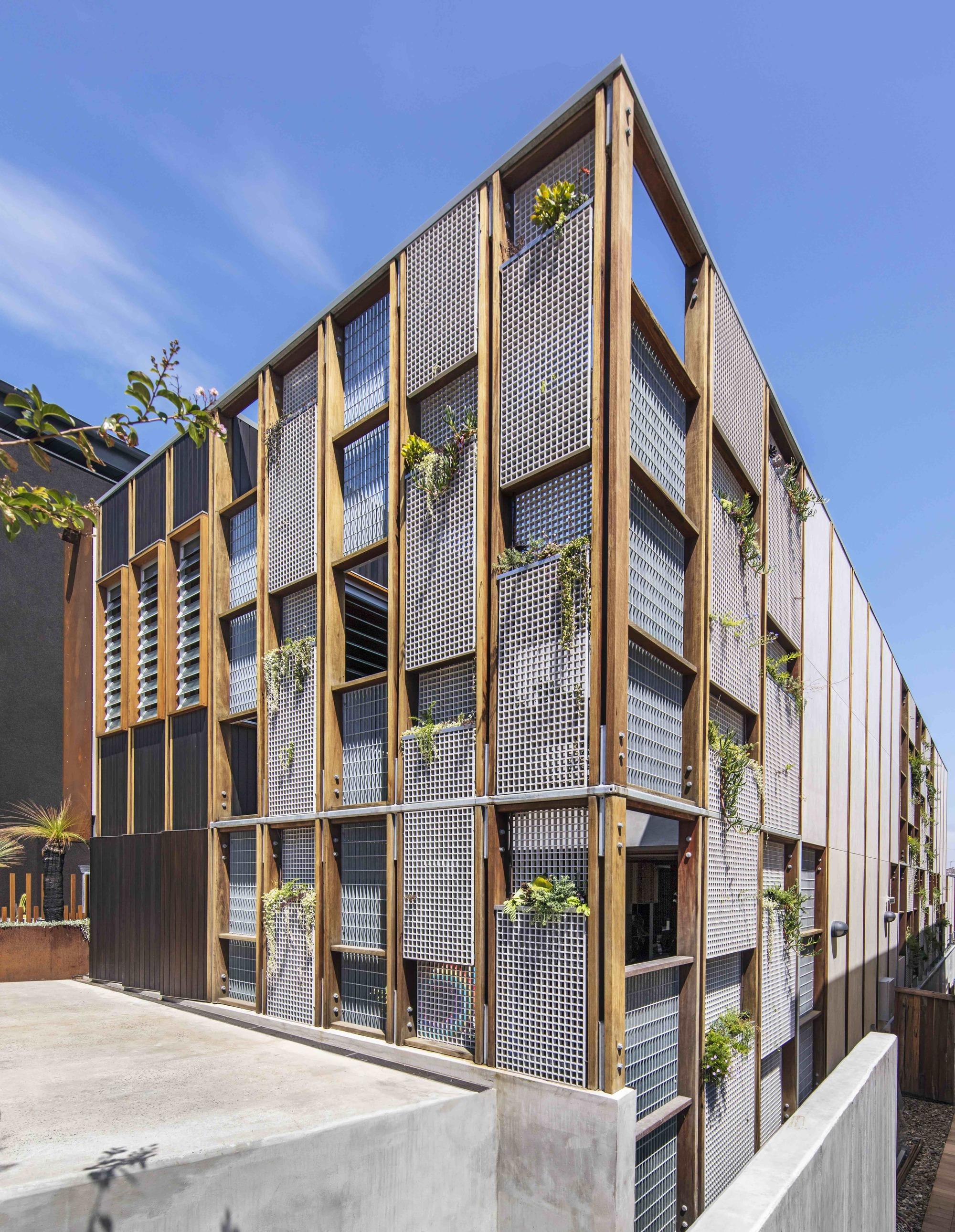 Galeria De Living Screen House Cplusc Architectural