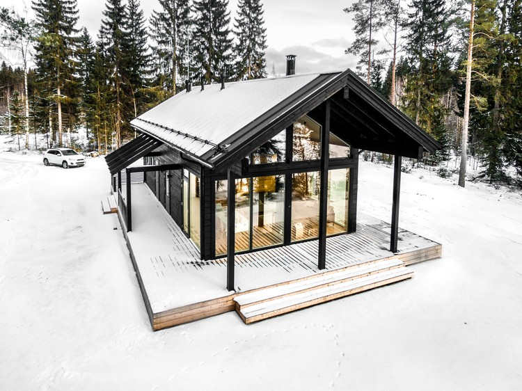 Modern Log Villa in Central Finland / Pluspuu Oy, © Samuli Miettinen