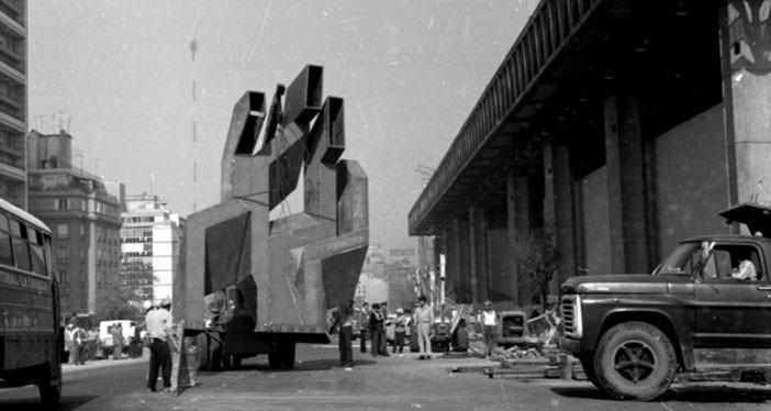 Federico Assler y la historia de su escultura oculta y silenciada en el estacionamiento del edificio Diego Portales, © Documental Escape de Gas