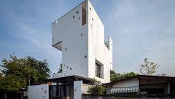 Aperture House / Stu/D/O