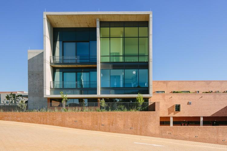 Hospital Infantil Nelson Mandela / Sheppard Robson + John Cooper Architecture + GAPP + Ruben, © Tristan McLaren
