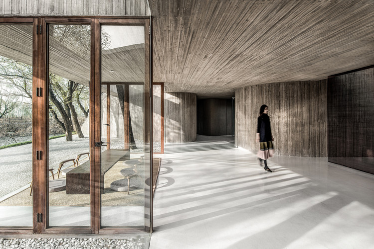 Waterside Buddist Shrine / ARCHSTUDIO, Courtesy of ARCHSTUDIO