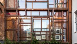 A Galeria em Camadas / Gianni Botsford Architects