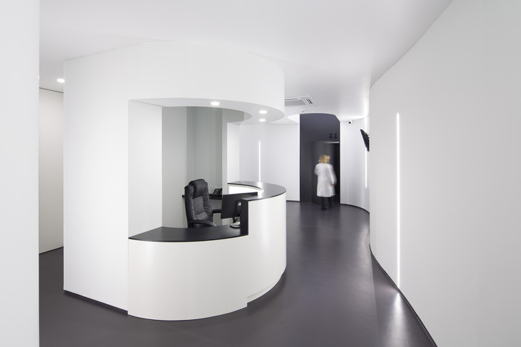 Clínica Dentária Jorge Barros  / Tsou Arquitectos , © Nelson Garrido