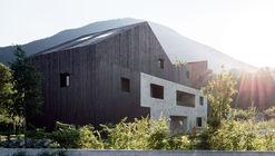 Rooftops Twin House H / bergmeisterwolf architekten