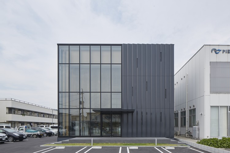 PIER THIRTY Group's Western Japan HQ Building  / Yoshihiro Kato Atelier, © Nacasa & Partners inc.