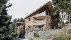 Twisted House S Vacation Apartments / bergmeisterwolf architekten