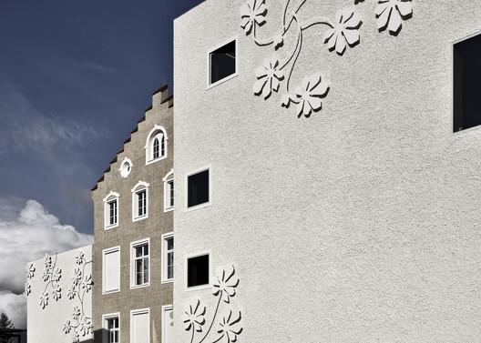 Escuela Primaria Auer / bergmeisterwolf architekten