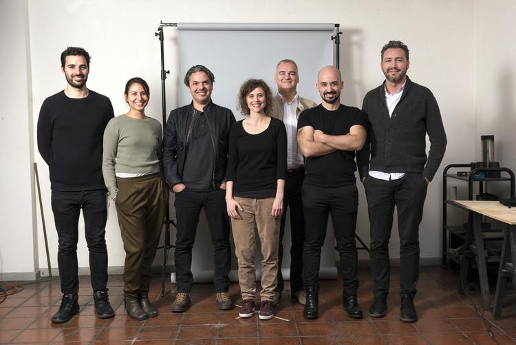 Bienal de Arquitectura y Urbanismo de Chile anuncia participantes para su XX versión a realizarse en octubre, Curadores Bienal Diálogos Impostergables. Image © Jorge Brantmayer