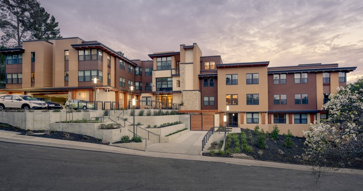 3 Exemplary Projects Win 2017 AIA/HUD Secretary Awards, Monteverde Senior Apartments; Hayward, California / Dahlin Group Architecture Planning. Image © Douglas Sterling Photography and Dahlin Group Architectural Planning