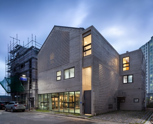 Yugok Dong Housing Market  / ON Architecture