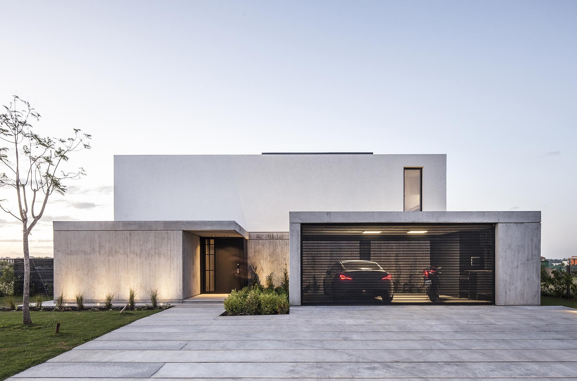House n estudio gm arq archdaily for Casa minimalista uy