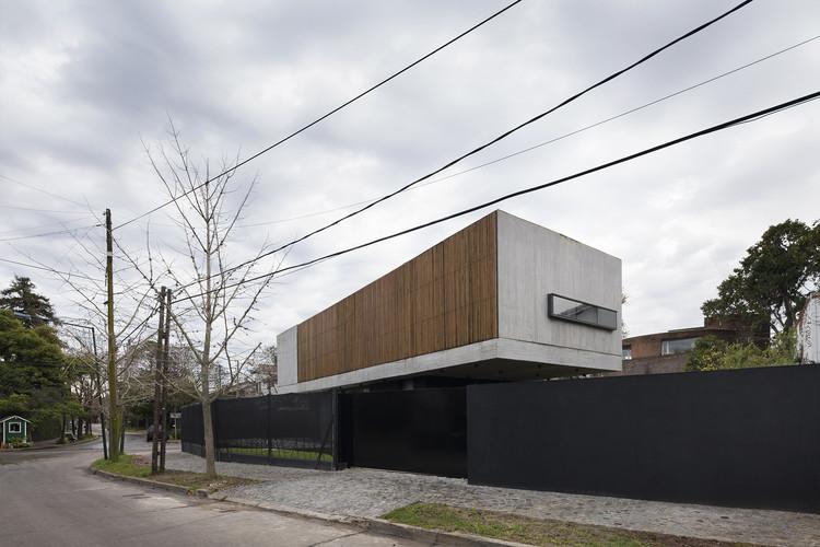 Acassuso House / VDV ARQ, © Federico Cairoli