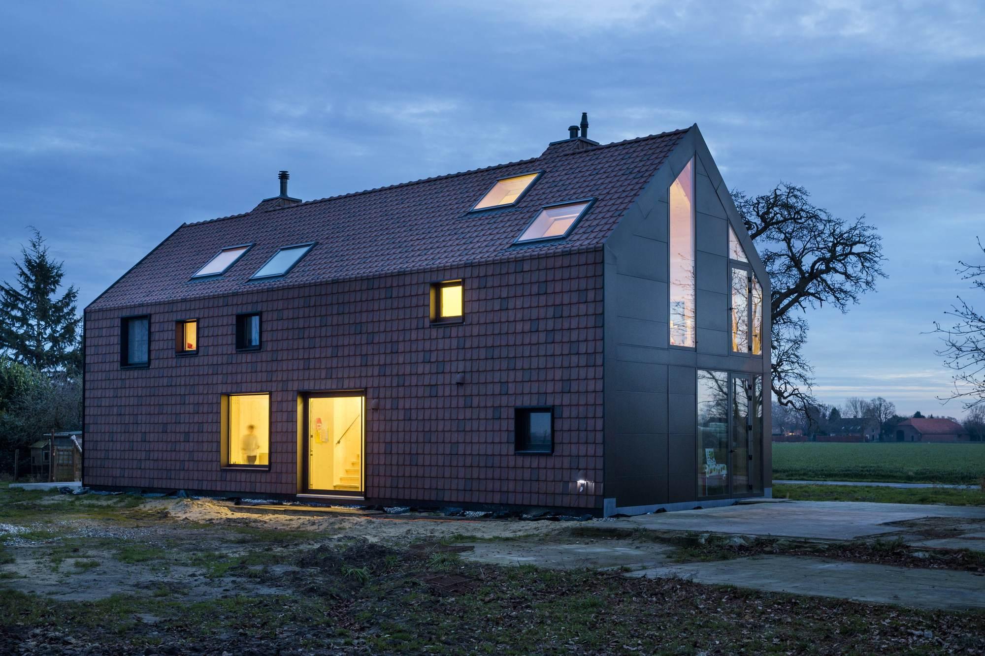 dear farm viva architecture archdaily. Black Bedroom Furniture Sets. Home Design Ideas
