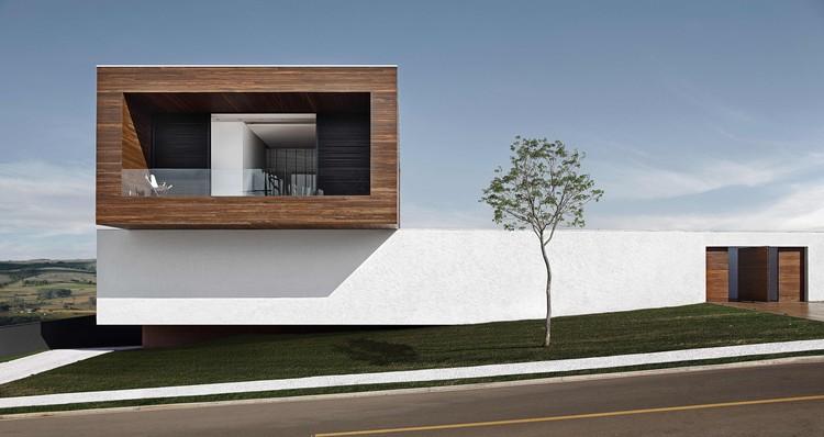 Casa LA  / Studio Guilherme Torres, © MCA Estúdio