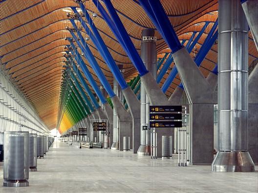 Terminal T4, Barajas Airport. Image © Estudio Lamela + Richard Rogers Partnership